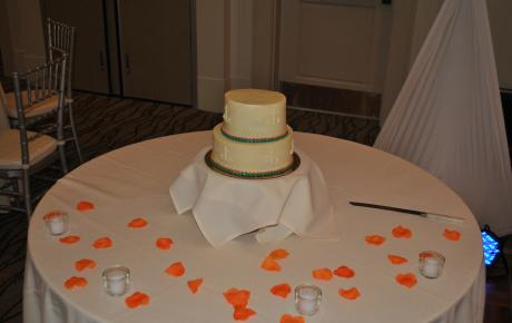 Audio Events | Wedding cake at Portsmouth Harbor Events & Conference Center