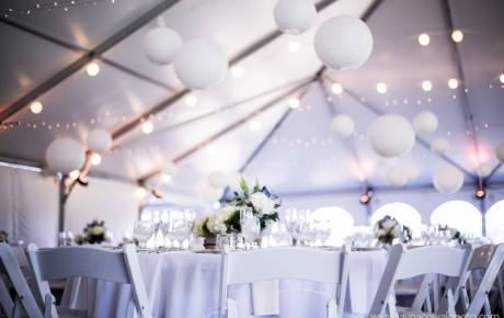 Wedding tent at Flag Hill Winery Lee, NH Photo by Jayna Cowal Photography - New Hampshire wedding DJs